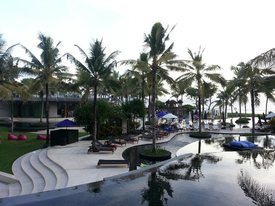 Away Spa at the W Bali Seminyak: piscina