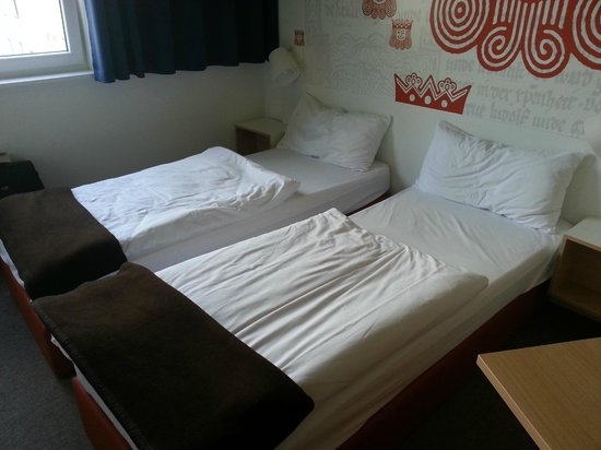 "B&B Hotel Kaiserslautern: I hope you're slim - these are truly ""single"" beds."
