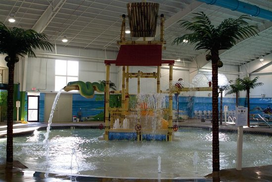 Budget Host Inn & Suites : Caribbean Indoor Water Park