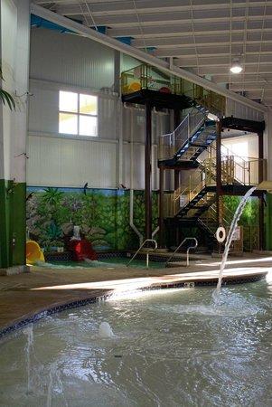 Budget Host Inn & Suites: Caribbean Indoor Water Park