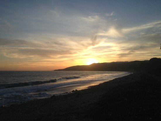El Capitan Canyon: awesome sunset at beach