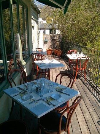 Bistro Citron: Le patio très agréable pour un verre avec vue sur le lac