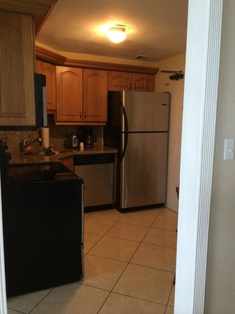 The Alexander All-Suite Oceanfront Resort: full stocked kitchen - very clean