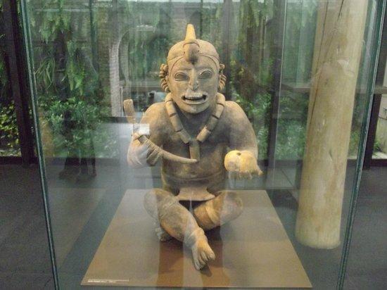 Casa del Alabado Museum of Pre-Columbian Arrt : Detalhes impressionantes desta peça de cultura muito antiga
