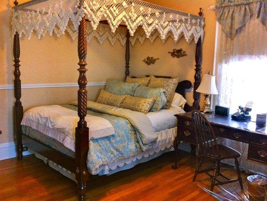 Brass Pineapple Inn: Capitol Queen Room