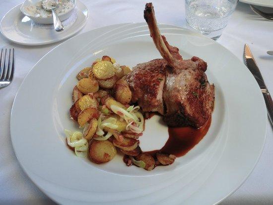 Roland Restaurant : Hauptspeise: Iberico-Schwein mit Bratkartoffeln