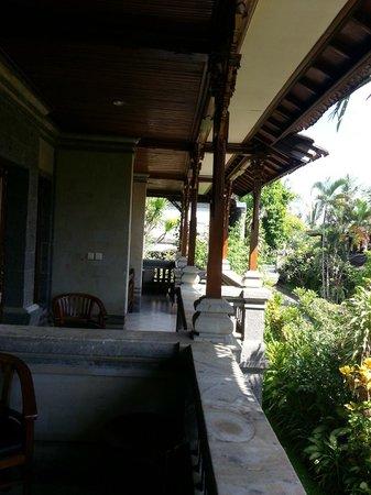 Sahadewa Resort & Spa: Entrada dos quartos