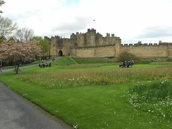 Heart of Scotland Tours: Alnwick Castle