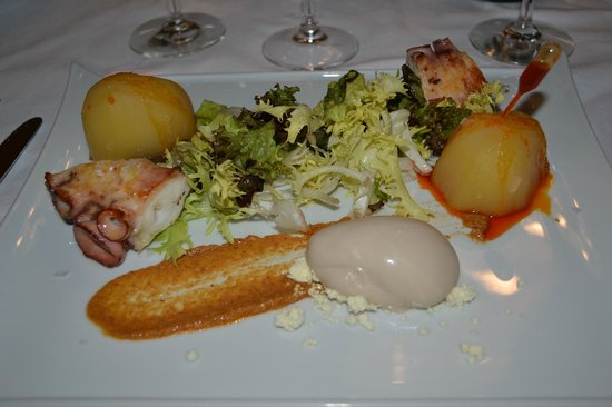 Parador de Vic-Sau : первая закуска на ужин
