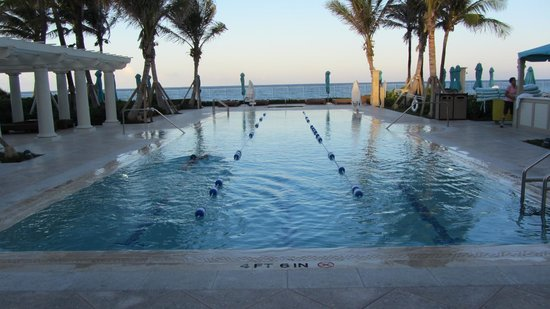 The Breakers: Adult pool