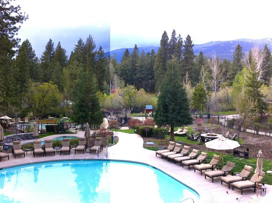 Hyatt Regency Lake Tahoe Resort, Spa and Casino: View of pool from room