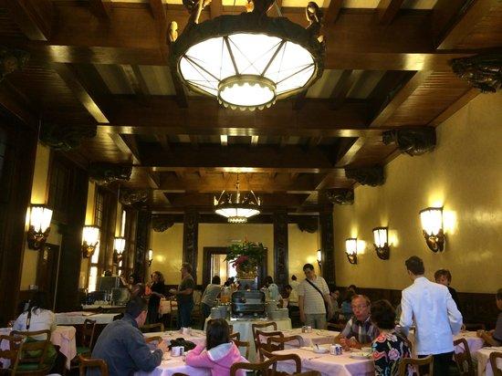 Bettoja Hotel Mediterraneo: La salle du buffet de petit déjeuner qui se partage avec l'hôtel Atlantico