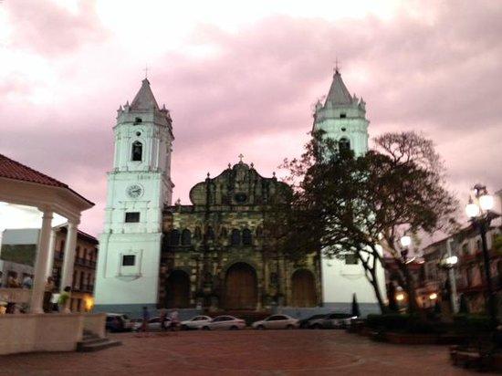 Casco Viejo: Beautiful day or night.