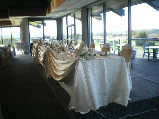 Northview Golf and Country Club: Head Table - lovely receptions