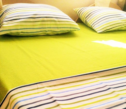 CG Guesthouse : bed