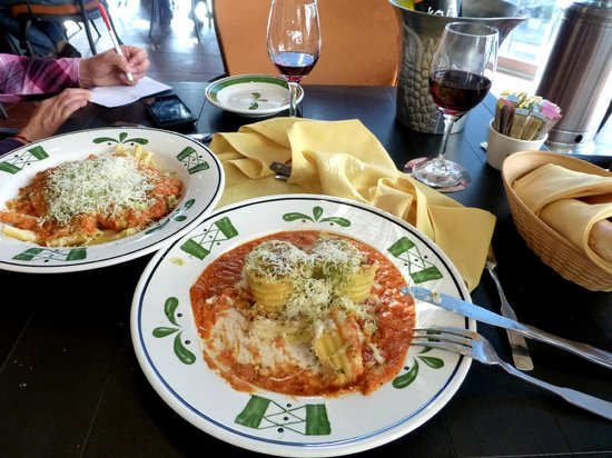 Comida rica vino algo caro picture of olive garden mexico city tripadvisor for Does olive garden do reservations