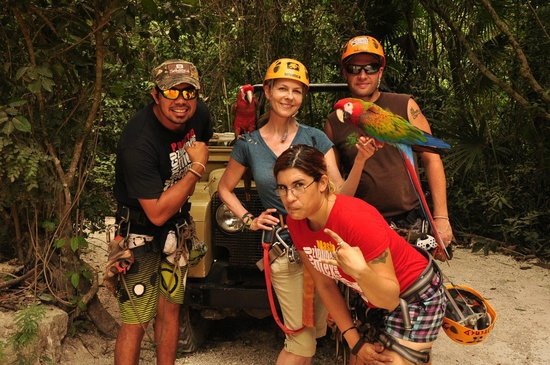 Selvatica: The crazy crew and some parrots