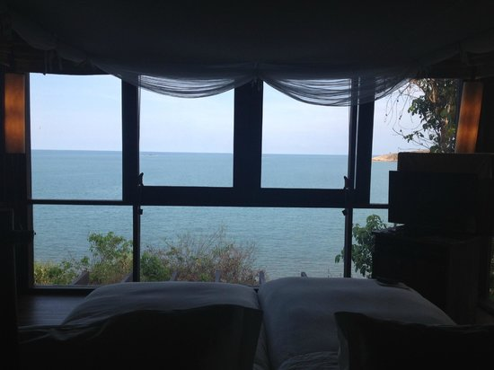 Six Senses Samui: 窓一面の海!