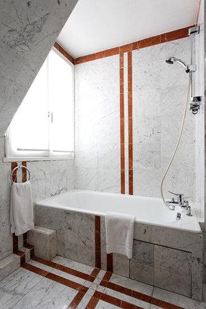 Hotel Princesse Caroline : Salle de bain