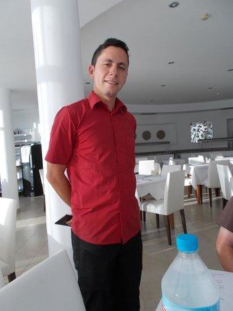 Santandria Playa Hotel: Hard working staff member!
