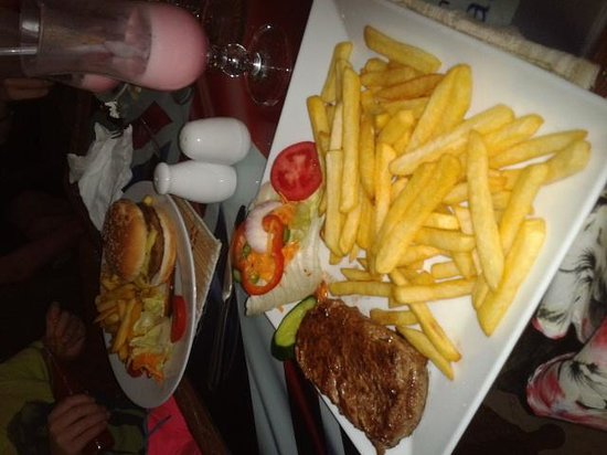 Union Jack Bar and Restaurant : Steak & Burgers to die for!