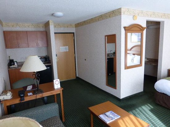 Comfort Suites: Room entry