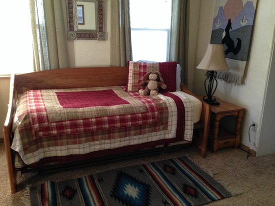 Comfi Cottages of Flagstaff: 2nd bedroom