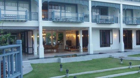 Devasom Hua Hin Resort : Lobby and Upper Room