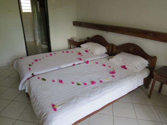 Diani Sea Resort : spacious bed