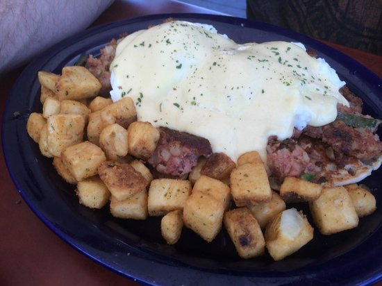 Keltic Kitchen : Beef Hash Benedict