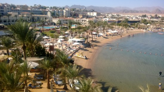Lido Sharm Hotel: View from pool/rooftop