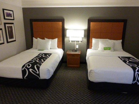 La Quinta Inn & Suites Birmingham Hoover: 2 full beds
