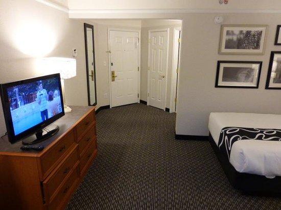 La Quinta Inn & Suites Birmingham Hoover: Room entry