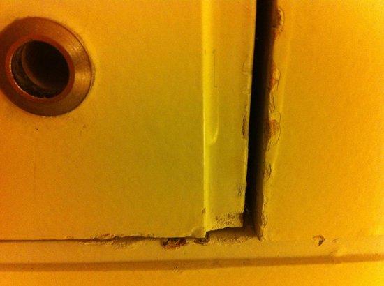 Hotel Omm : paint defaults