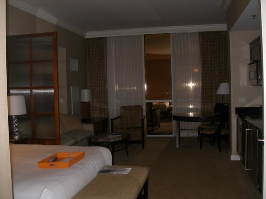 Signature at MGM Grand: Main bedroom/suite
