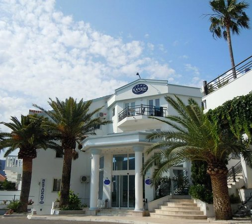 Hotel Xanadu Kumbor, main bulding and reception