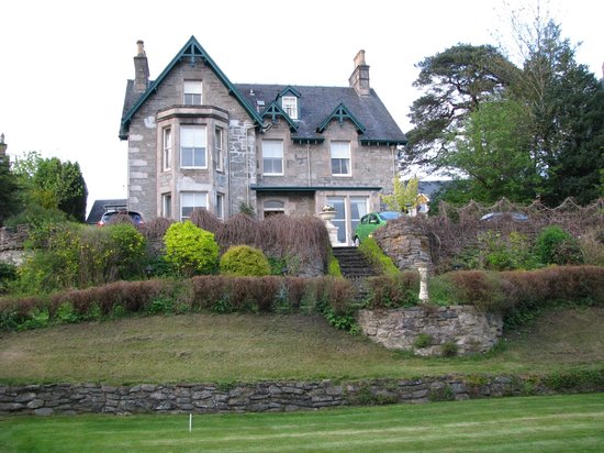 Craigroyston House and Lodge: Great Bed and Breakfast