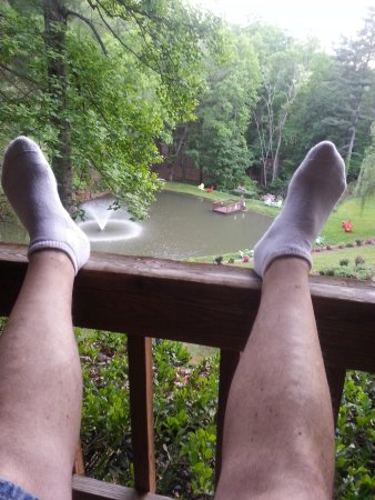Asheville Cabins of Willow Winds: Now this is Relaxing