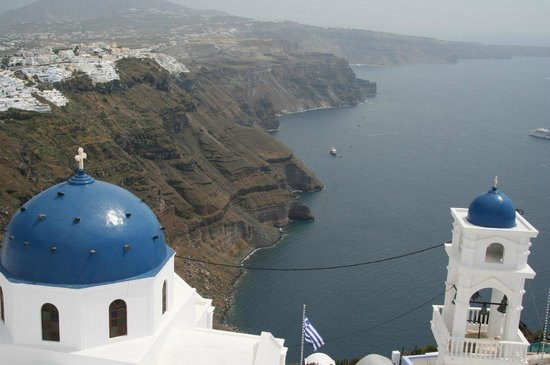 Cliff Side Suites: View towards Fira