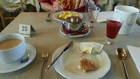 Hotel Mauro: Breakfast
