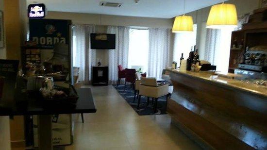Hotel Mauro: Bar