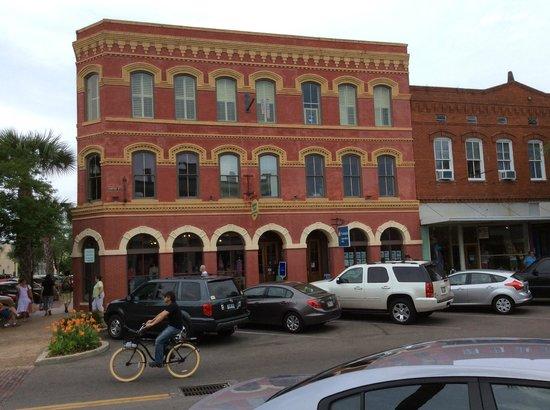 The Addison on Amelia Island: Great shops and restuarants