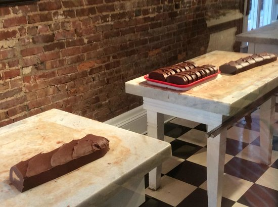 The Addison on Amelia Island: Walking distance to homemade fudge