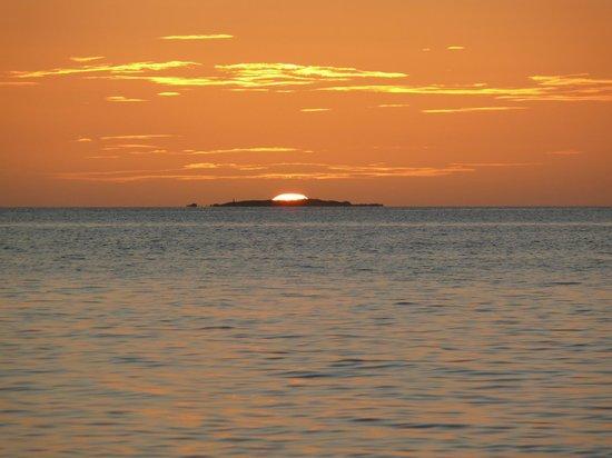 Nukubati Private Island : Sunset from Nukubati island