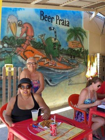 Barra da Lagoa Beach: beer Praia,na beira da praia, com pratos c/frutos do mar