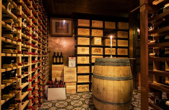 Hotel Holt: Fine selection of French wines