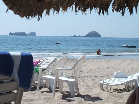 Hotel Fontan Ixtapa: the beach