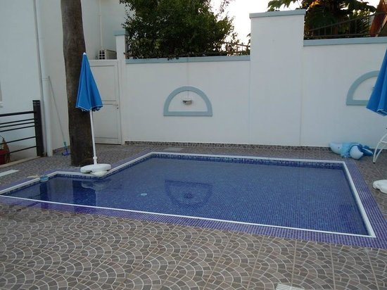 Hotel Xanadu: Children's pool