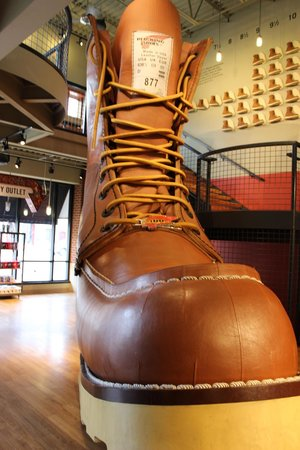 Red Wing Shoe Store & Museum : World's Largest Boot.