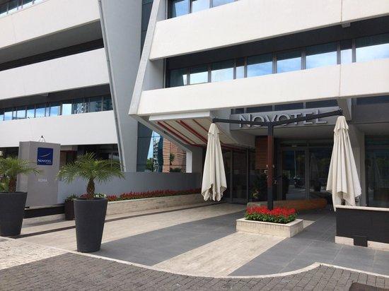 Novotel Roma Eur: Esterno hotel
